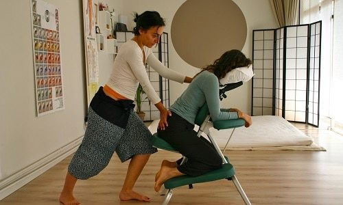Massage assis Amma Art du Toucher